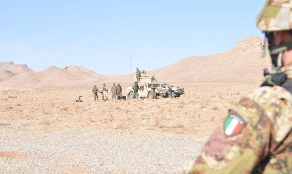 Afghanistan, l'Italia si ritira tra polemiche politiche